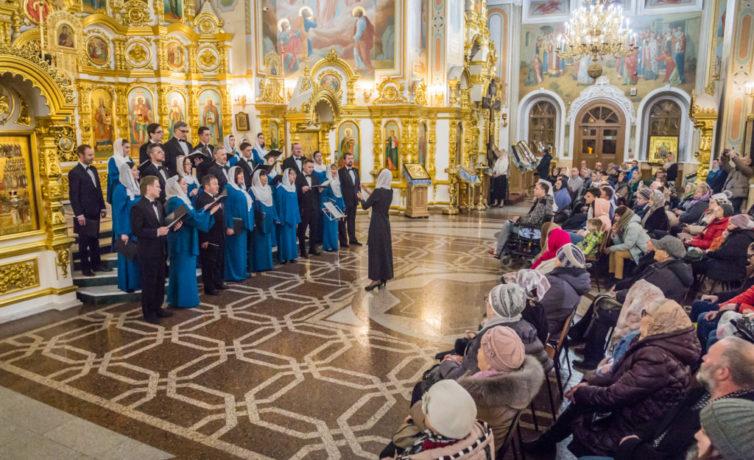 В рамках Парадельфийских игр состоялся концерт духовной музыки в кафедральном соборе