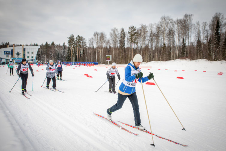 Команда Михаило-Архангельского собора на епархиальной лыжной гонке